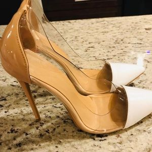Clear Pumps Pointy Toe.
